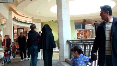 wearing-burka1